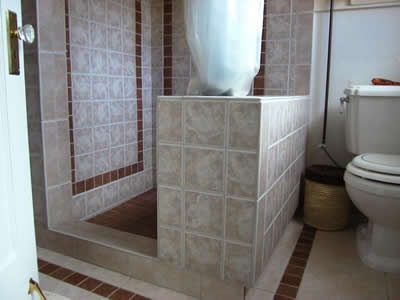 Ceramic, Porcelain, & Stone Baths/Showers one hundred thirty five